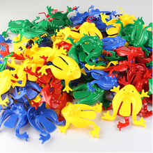 10Pcs/Lot 5.5*5.5cm Jumping Frog Hoppers Game Kids Party Favor Birthday Party Toys for Girl Boy Action Figure Kids Toy