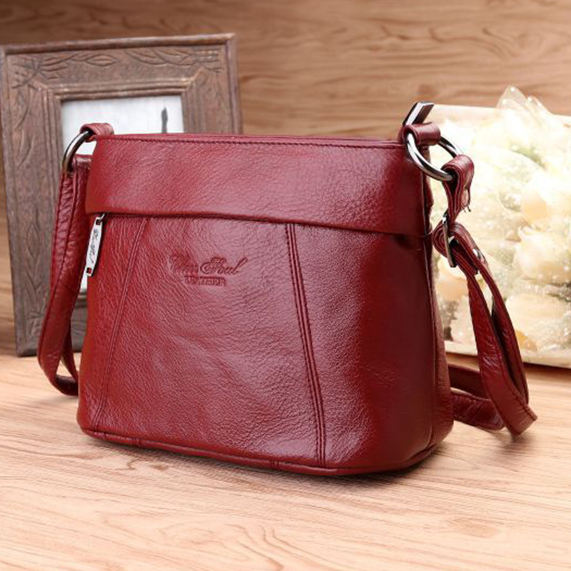c05f2f6d46cf US $28.69 31% OFF|Fashion Trend Crossbody Small Messenger Pack Ladies First  Layer Cowhide Travel Bags Women Genuine Leather Sling Shoulder Bag-in ...