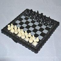 Livraison gratuite de haute qualité International d'échecs Mini magnétique échecs costume pliage échiquier enfant Obtenir échiquier jeu