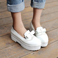 A flat with white lady summer ventilation casual shoes all-match white shoe leather shoes bottom thickness of Korean Students