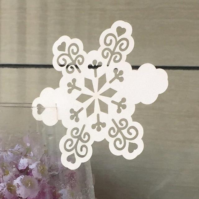50 Uds., envío gratis, 2017, papel cortado con láser, diseño de smow, lugar de reclamación de vino, decoración para fiesta de Navidad de tarjeta para el hogar