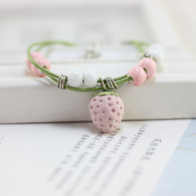 Summer Style Three Dimensional Pink Lovely Strawberry Ceramic Bracelet Jewelry Female Korean Simple Hand Weaving Hand String