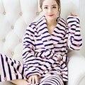 Invierno femenina albornoz bata camisón de franela pijamas par de la sección más gruesa coral velvet chándal yardas grandes femenina