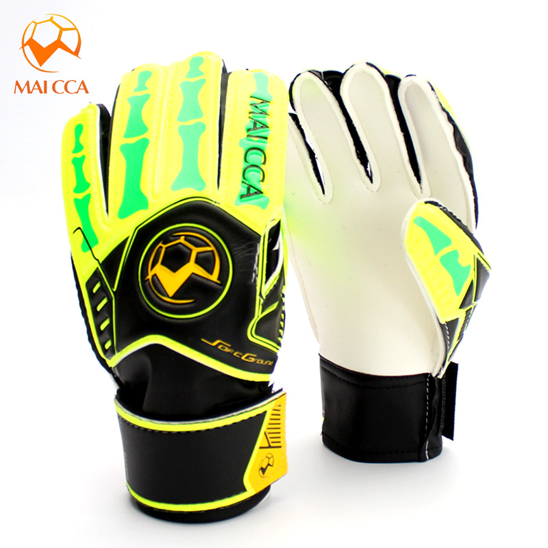 Professional Football Goalkeeper Gloves for Kids child training keeper  latex goalie Cheap Goalkeeper Gloves-in Goalie Gloves from Sports    Entertainment on ... 8a3254afd1e4
