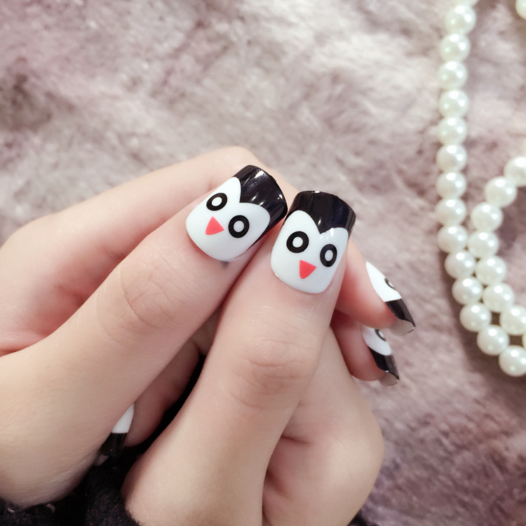 YUNAIL 24pcs Short Fake Nails Penguin Cute Nails Overhead 24pcs ...