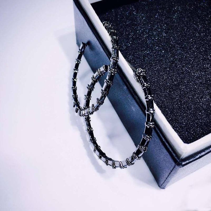 Купить женские круглые серьги кольца be8 черные круглой формы с кубическим
