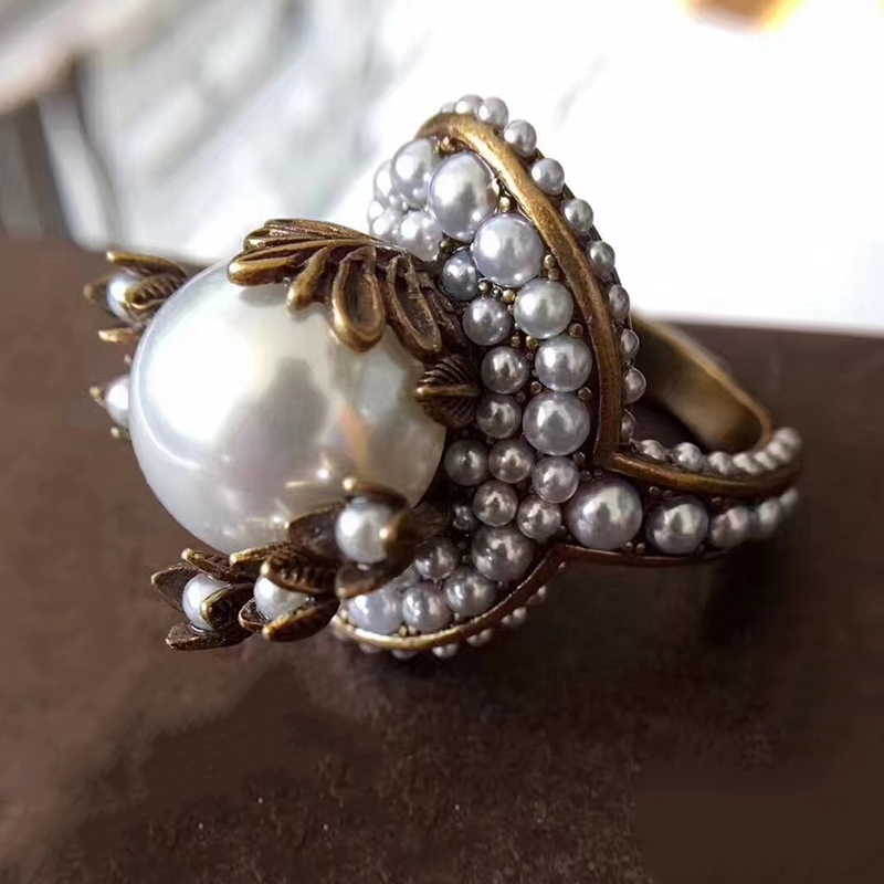 Hot Brand Fashion Pearl Jewelry For Women Vintage Rings Big Pearl Flower Vintage Party Rings Yellow Brass Jewelry Colorful Stone