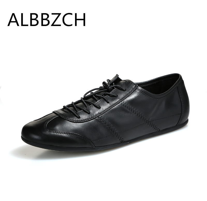 Nieuwe mannen echt lederen sport casual schoenen mannen ronde neus lace up leisure platte schoenen man dagelijks werk schoenen zwart blauw maat 38 44-in Casual schoenen voor Mannen van Schoenen op  Groep 1