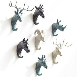 Newly Produced Deer Rhino Elephant Giraffe Horse Animal Decorative Hook Creative Resin Model Bathroom Wall Hook Coat Wall Hook
