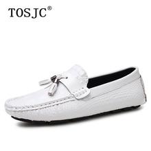 цена TOSJC Hot Sale Male Loafers Crocodile Pattern Tassel Boat Shoes Mens Lightweight Moccasins Casual Breathable Man Driving Shoes онлайн в 2017 году