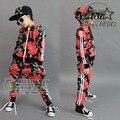 2016 Otoño Invierno ropa de Los Niños Fijó Muchachas de Flores Rojas de Impresión disfraces Niños Chándales Deportivos Hip Hop Danza Pantalón y Capa conjunto