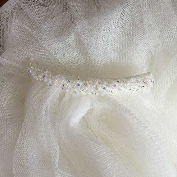 Купить с кэшбэком Church wedding veil 1.5MWhite/Ivory soft tulle net bride veil with comb stuning crystal hair accessories wedding accessories