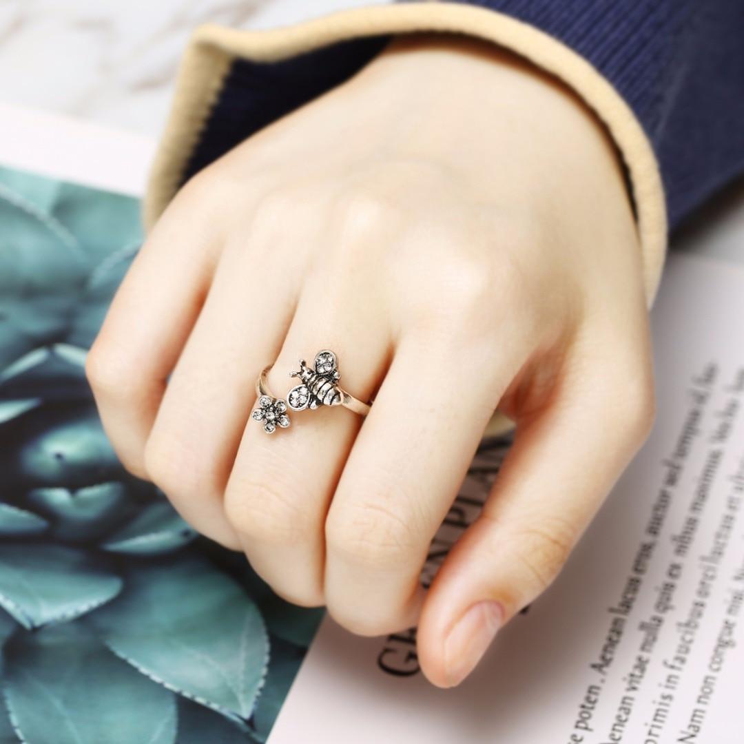 Cute Bee Flower Open Finger Ring For Women Silver Color Jewelry Elegant Lady Adjustable Rings Bijoux Femme Shellhard