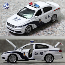 1:32 creative Volkswagen lavida police toy car mancar patrol wagon alloy model acousto-optic pull back car model game toy Gift