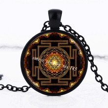 SUTEYI Fashion Buddhist Sri Yantra Pendant Necklace Sacred Geometry Crystal Cabochon Pendant Sri Yantra High Quality Jewelry