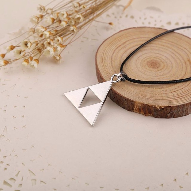 The Legend of Zelda The Triforce Necklace