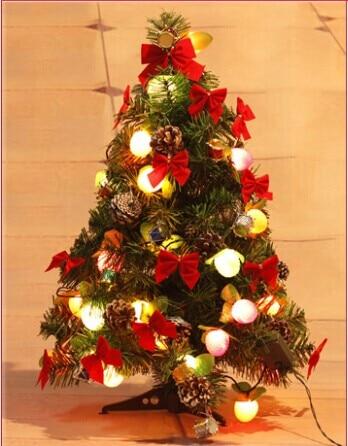 un pequeo rbol de navidad 60 cm fruta luz decorar el rbol de navidad adornos colocados - Arbol De Navidad Pequeo