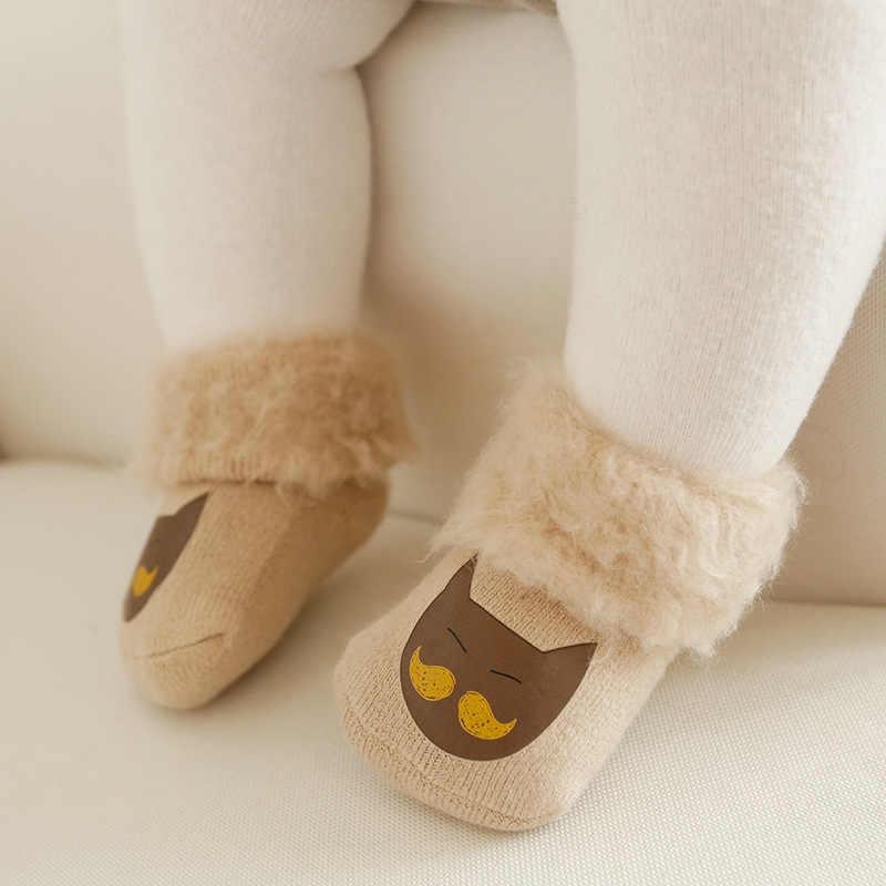 2018 otoño invierno nuevo acolchado calcetines gruesos de bebé de dibujos animados de tubo alto 0-1-3-5 años de edad calcetines de invierno para niños