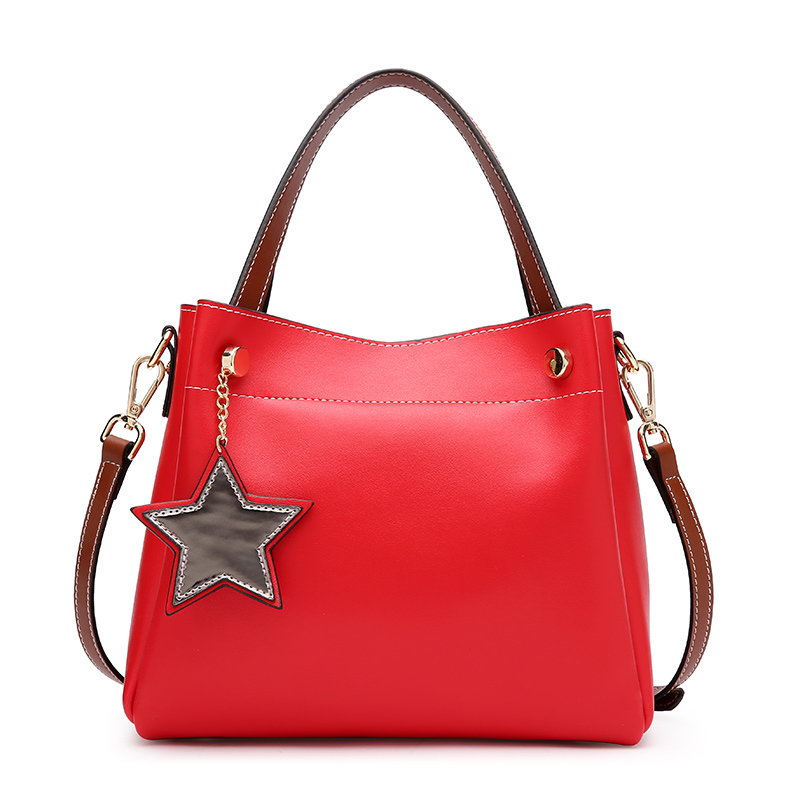 Ms. new leather European and American wind bucket bag leather hand shoulder bag Messenger large-capacity female bag