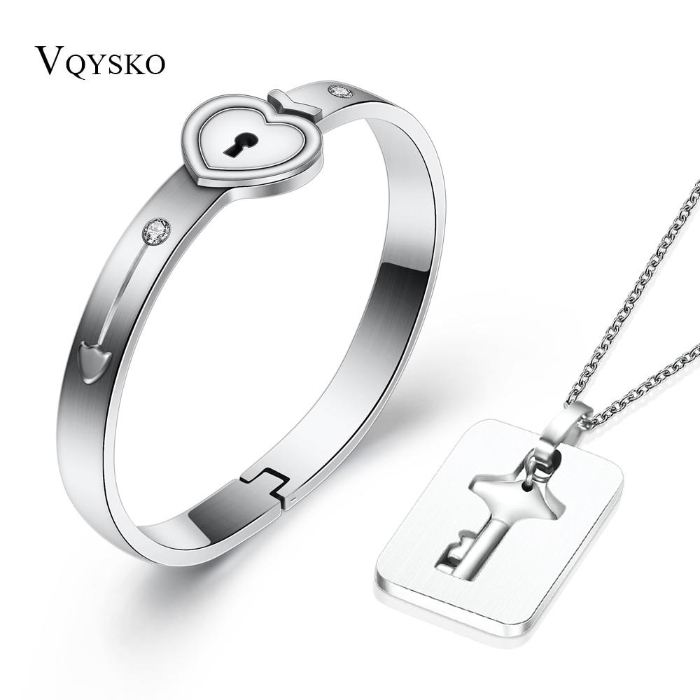 Conjuntos de joyas A la moda para amantes de acero inoxidable Love Heart Lock pulseras brazaletes llavero colgante collar parejas conjunto