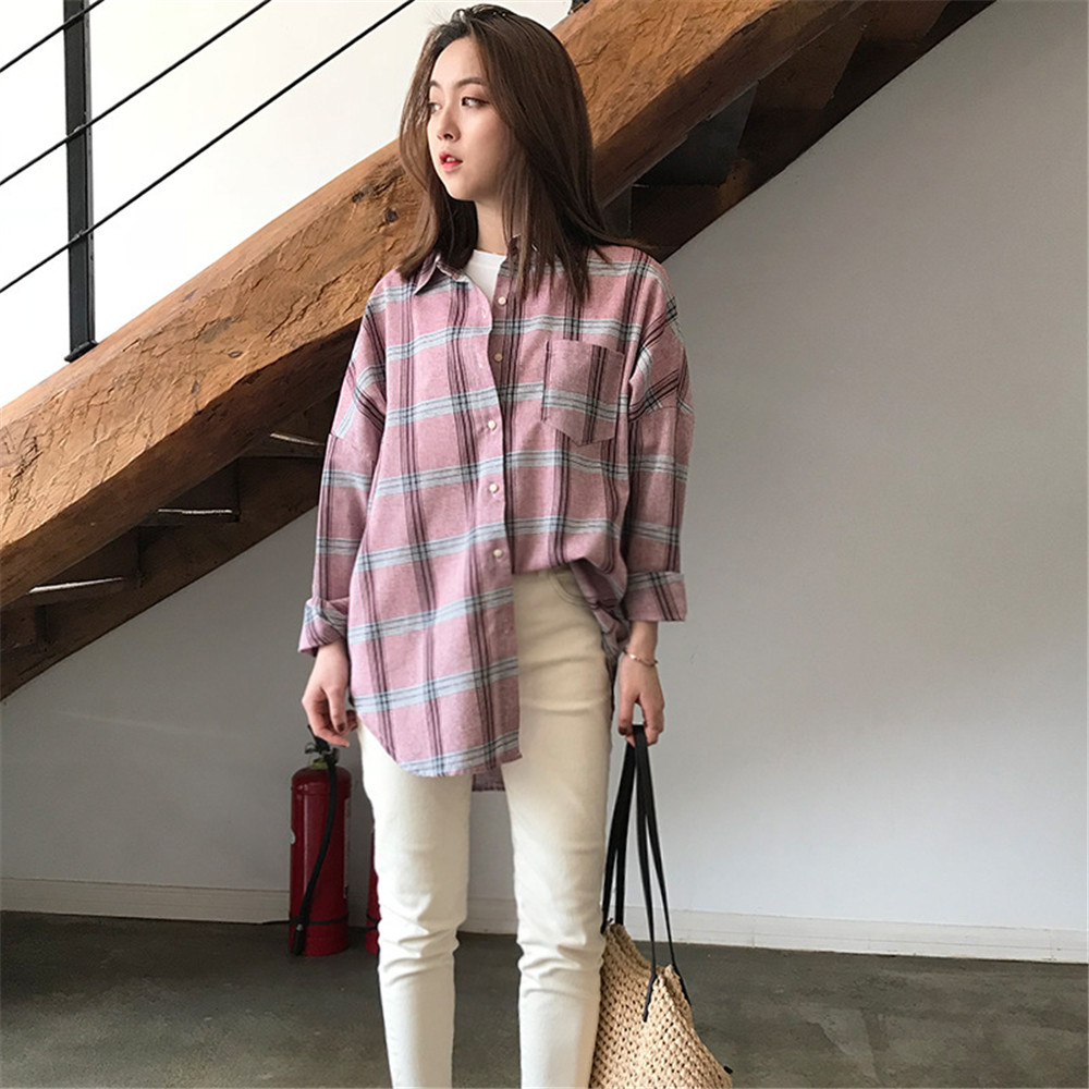 Big Loose women plaid blouses shirts 2018 Women Office Air Conditioner Blouse Shirt Female Outerwear Casual Pocket Shirts (26)