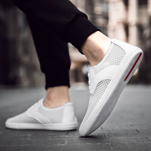 Mens mesh casual shoes 2019 new lightweight breathable comfortable flat mens fashion sports