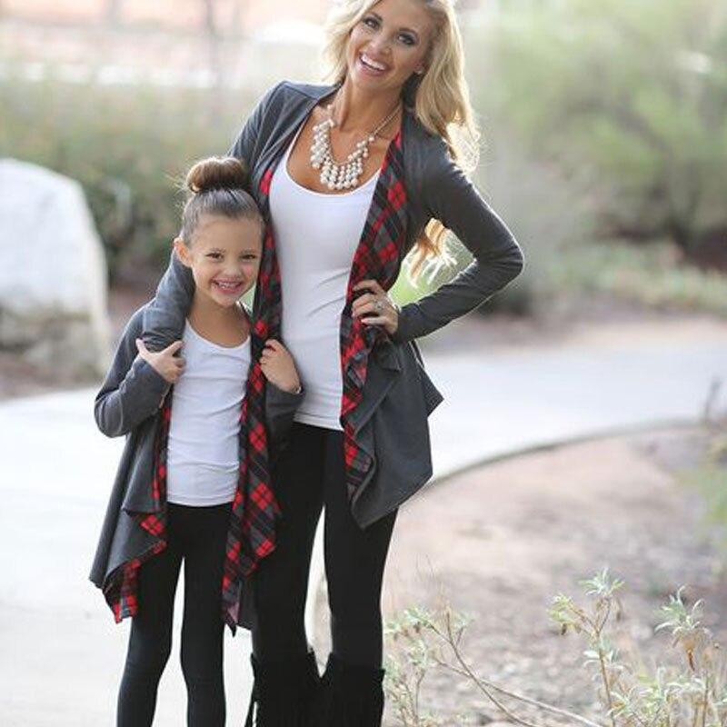 Herbst Familie Outfits Kleidung Mutter Tochter Langarm Strickjacke Outwear Jacke 2017 Neue Bebes Hot Cardigan Pullover