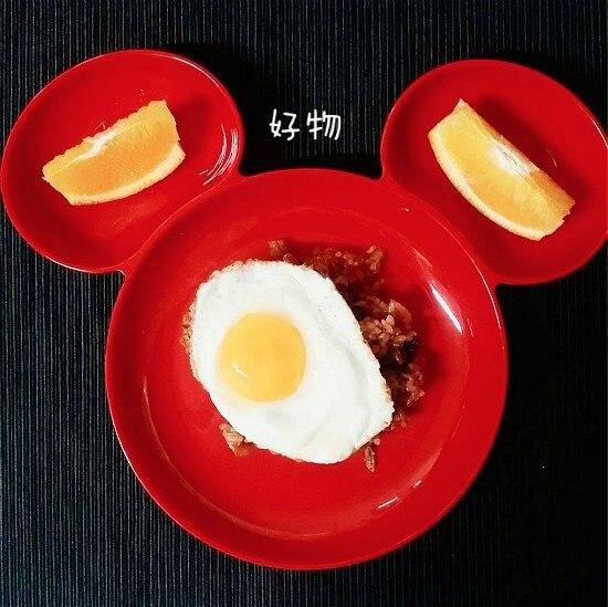 red and white dinnerware 98 (1)