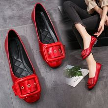 Red shallow mouth flat shoes women's shoes low heel low belt buckle work shoes 2019 spring new women's shoes цена 2017