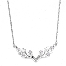 Fashion Antler Pendant Necklace Adult Christmas Gift Ladies Decorations Exquisite Beautiful Necklace Simple Decorative Jewelry 2019 latest explosion mini jewelry classic snuff necklace fashion leave spoon necklace exquisite ladies pendant necklace
