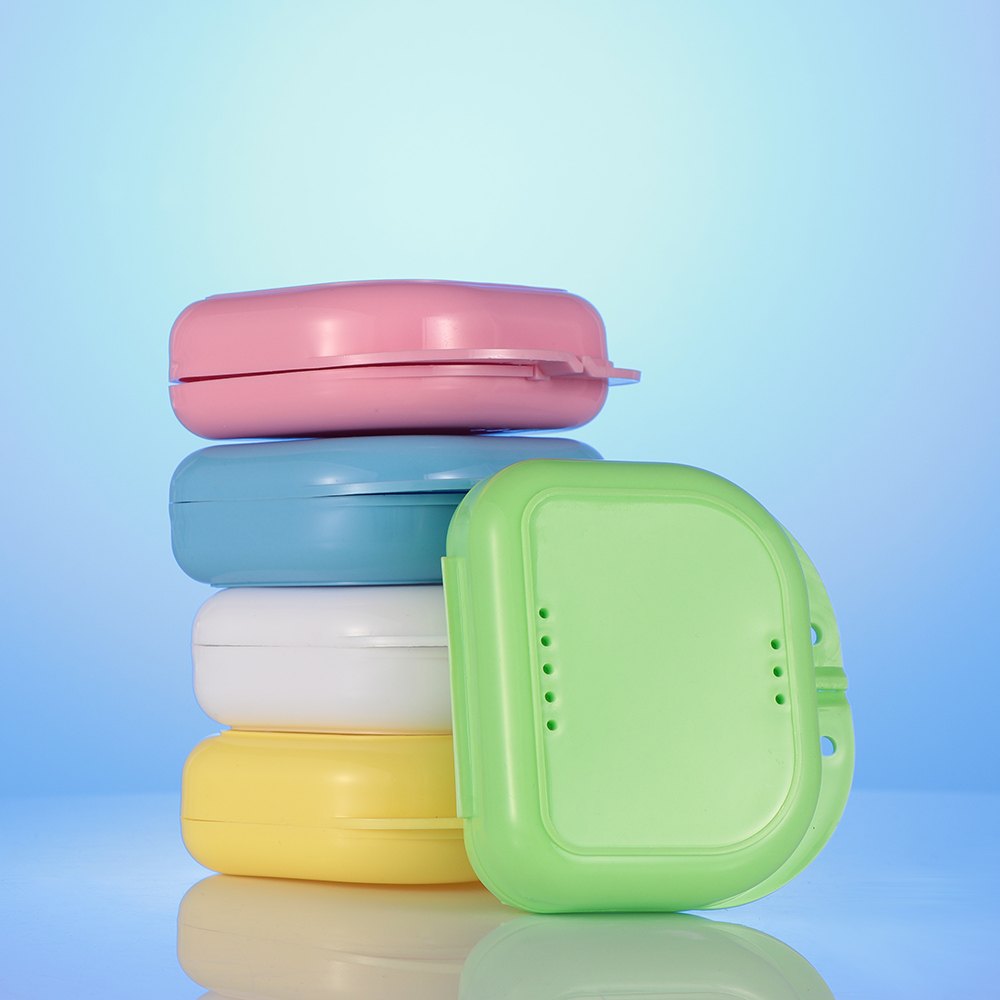 Random Color!1pc Denture Storage Case  Dental Orthodontic Retainer Box Mouthguard Container Supplie Tray Dental Supplies