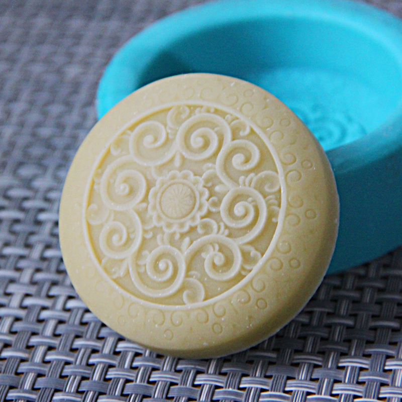 free shipping Soft silicone mold soap mould diy Classical flower shape z007 in Soap Molds from Home Garden