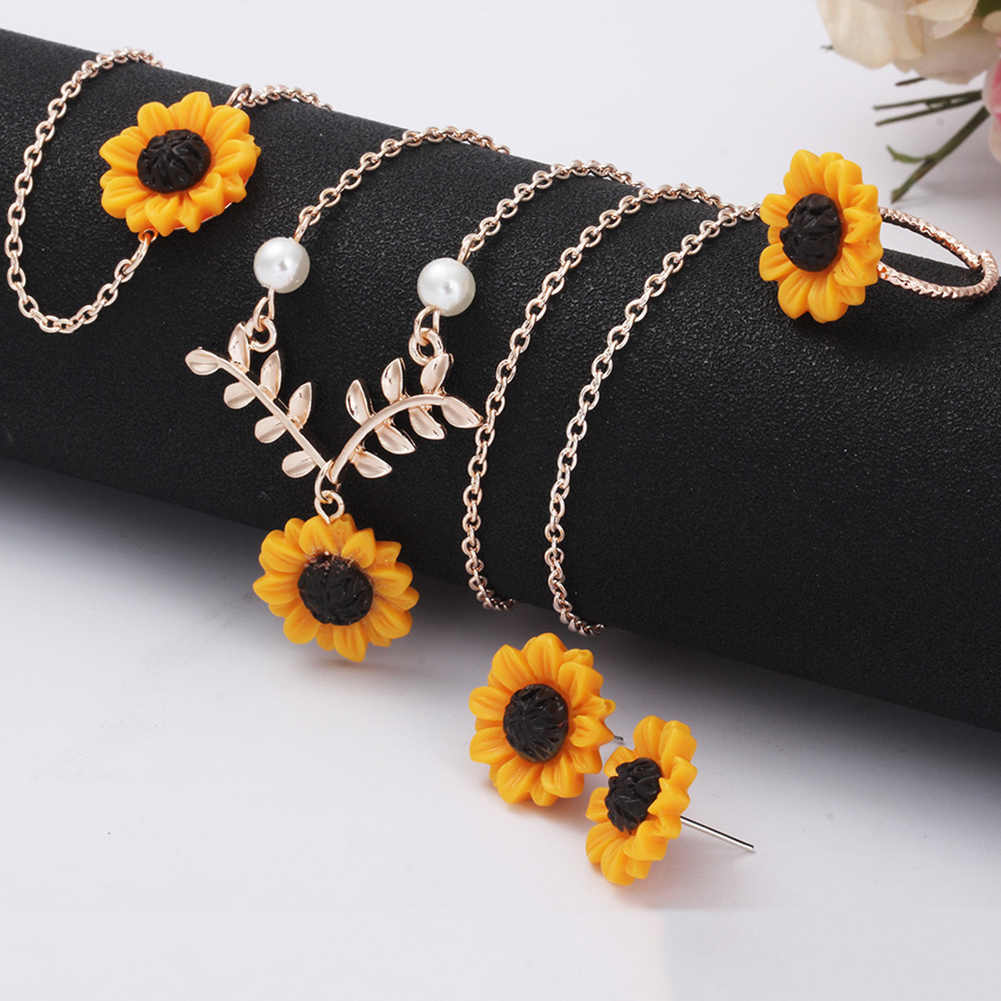 Fashion Women Creative 5Pcs /Set Sunflower Pendant Necklace Stud Earrings Ring Bracelet Creative Imitation Pearl Ha Jewelry Gift