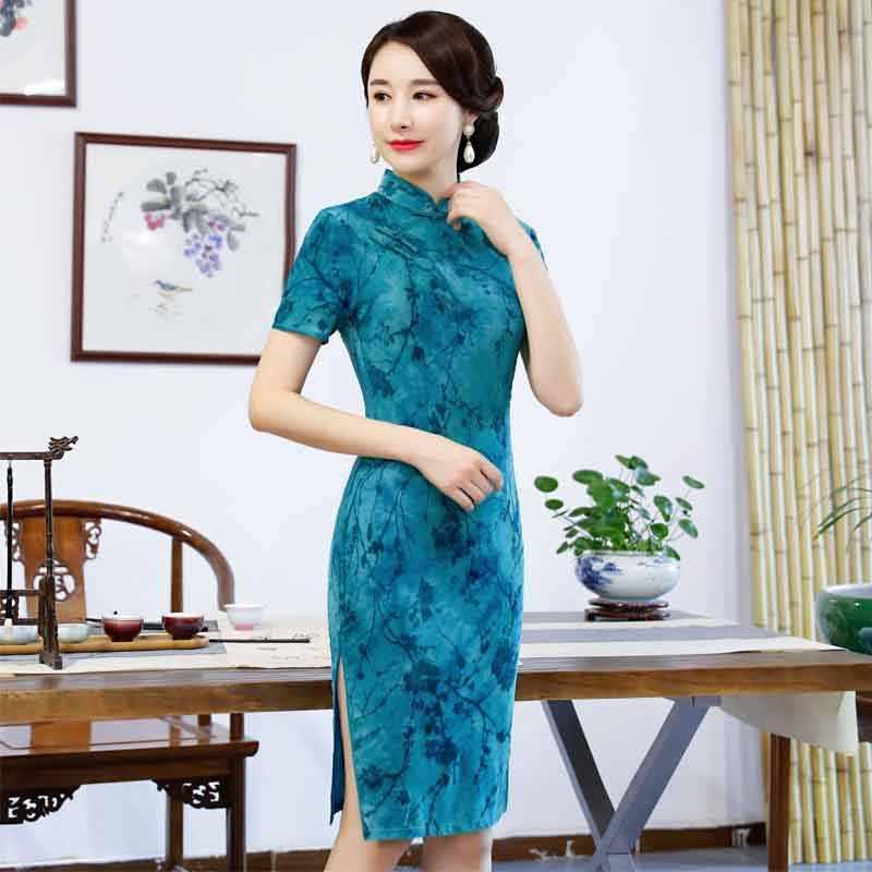 ab8eb753125 ... 2019 New Modern Qipao Traditional Chinese Dress Fashion Cheongsam  Banquet Costume Short sleeves Qipao Woman Oriental ...