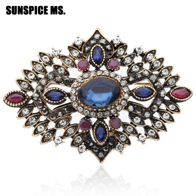 Gorgeous Royal Women Hollow Flower Resin Vintage Brooch Corsage Antique  Gold Color Turkish Indian Brooches Rhinestone Jewelry d1f5f4fa205d