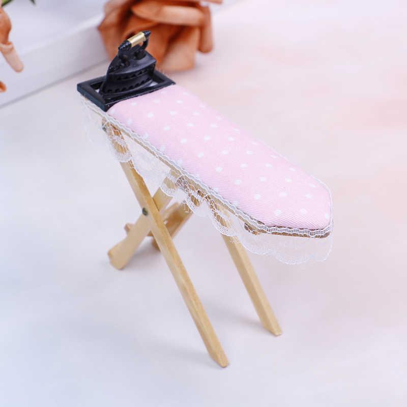 Bonitos muebles clásicos de juego de simulación, regalos creativos para niños, escala 1:12, casa de muñecas, plancha en miniatura con juego de tabla de planchar