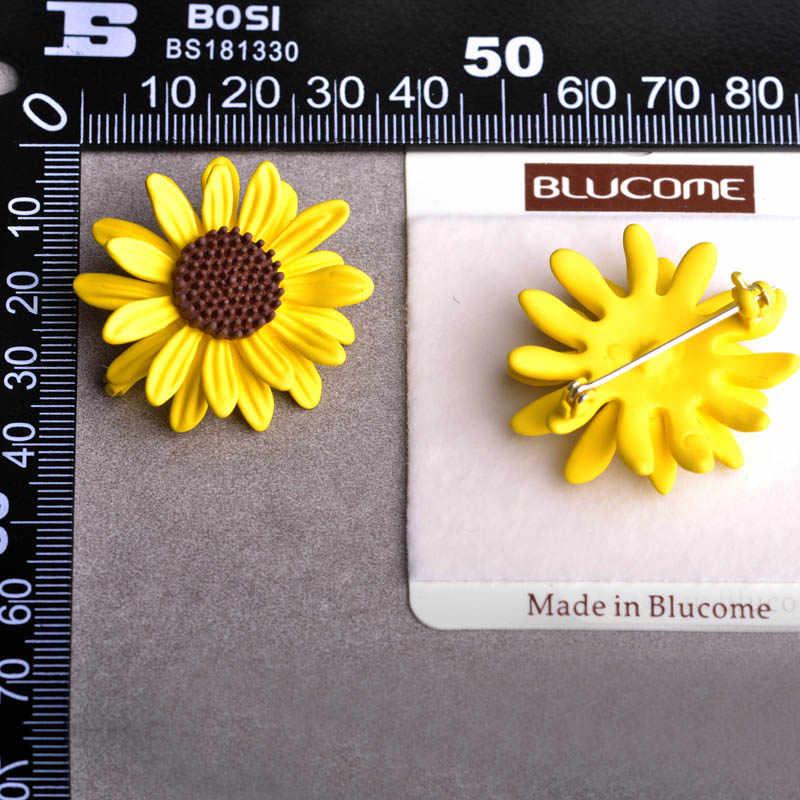 Blucome Enamel Matahari Kuning Bunga Bros Korsase Daisy Aksesoris Pakaian untuk Wanita Syal Gesper Sweater Bunga Matahari Bros Pin