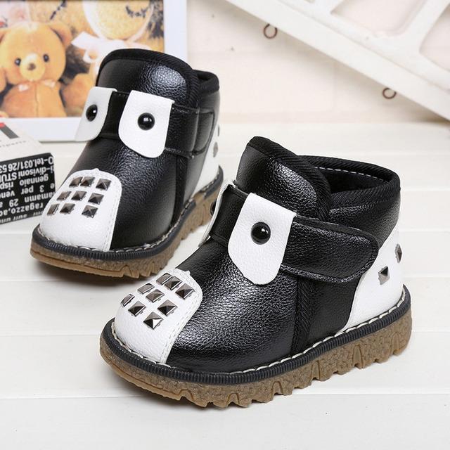 Superior de la venta kawaii bebé botas de nieve niño niños alta calidad antideslizante con suela de goma invierno remache térmica niña de las flores zapatos