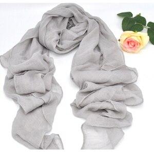 Image 1 - Mode Weiche Baumwolle Leinen Grau Hijabs Musilim Islamische Frauen Schal Feste Große Größe Schöne Damen Shaw Schals Kostenloser Versand