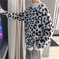 Sweater Men Warm Fashion Leopard Casual Loose Autumn And Winter New Male Clothes Long sleeved O neck Knitting Pullover Man