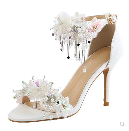 Bridal Shoes Women Sandals Fashion White Wedding Pumps Sweet Sequins Flower Lace Crystal Pointed Toe High-heeled Wedding Shoes 2017 white lace butterfly crystal pendant with ultra fine pointed high heeled shoes the bride wedding shoes wristband sandals