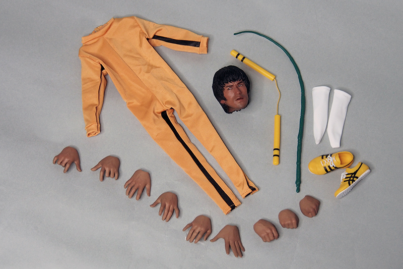 1/6 Scale The Game of Death Bruce Lee Head Sculpt & Kungfu Clothes Set Colletible Action Figures 1 6 scale the game of death bruce lee head sculpt and kungfu clothes for 12 inches figures bodies