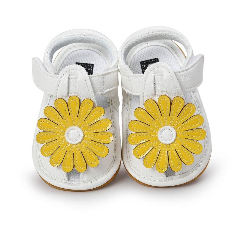 Girls Summer Kids Cute flower Hollow Out Princess Style Flower Breathable Non-slip Soft Bottom Cack Sandal