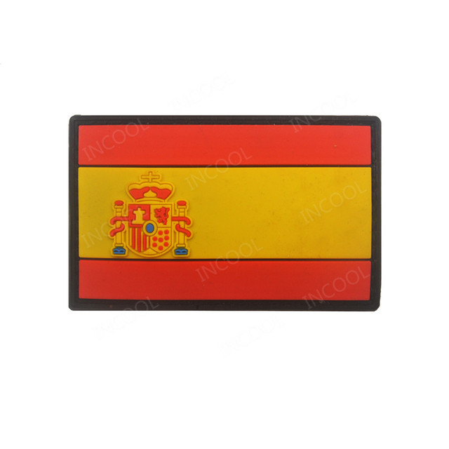 3D PVC Spanish Flag Patches Military Tactical Morale Patch Rubber Spain Flag Biker Hook Back Patches White Glow In Dark Luminous