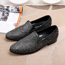 Sapatos Rivets Mens Glitter Genuine Leather Dress Wedding Formal Shoes Slip On Causal Loafers Flats Male Velvet Sapato Social
