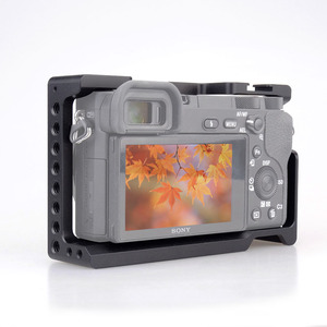 Image 5 - MAGICRIG estabilizador de jaula de cámara para Sony A6400/ A6000/ A6300/ A6500/ ILCE 6500/ NEX7 DSLR, Monitor de micrófono de montaje en jaula 501