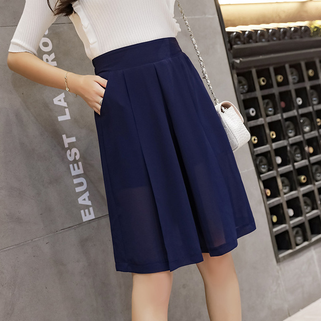 2020 summer chiffon short pants loose black/blue wide-legged trousers knee-length elastic waist women fashion capris pants 5