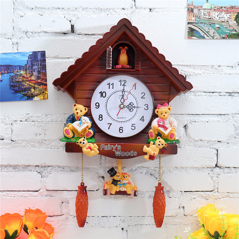 Retro Vintage Wooden Cuckoo Clock Craft Carving Wall Clock Swing Timer Alarm Clock Interior Decoration Wall Clock Modern Design