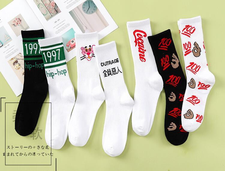 Marea de primavera y otoño calcetines de los hombres y de las mujeres individualidad deportes patineta calle marea calcetines palabras creativas INS alta tubo