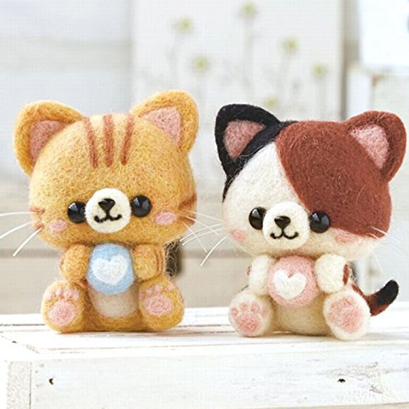 2019 Creative Cute Love Cat Kitty Toy Doll Wool Felt Poked Kitting Non-Finished Handcarft Wool Felting Material Package